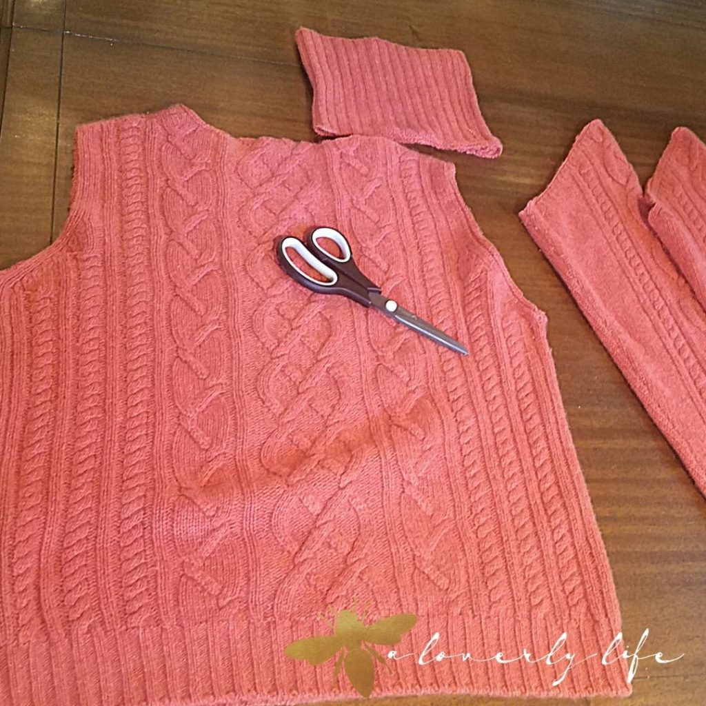 cut the other sleeves to have 4 pieces